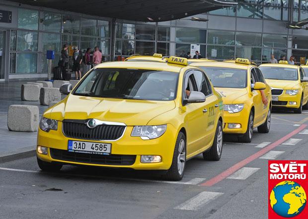 Jak se žije řidiči letištního taxi: Koupáci si sedají dopředu