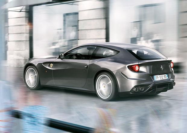 Facelift Ferrari FF přijde v roce 2016 a přinese 700 koní