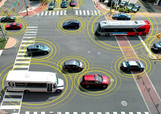 USA dělají první kroky k povinnému zavedení mluvících aut