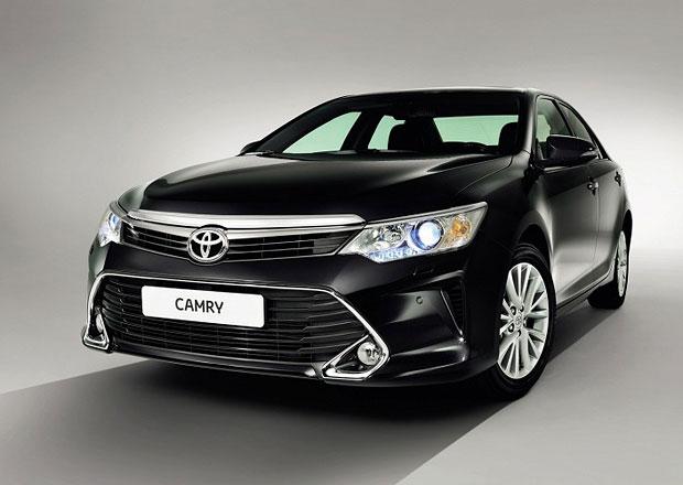 Toyota Camry: První snímky faceliftované verze