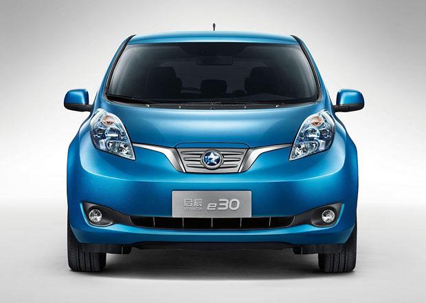 Venucia e30: Nissan Leaf na čínský způsob
