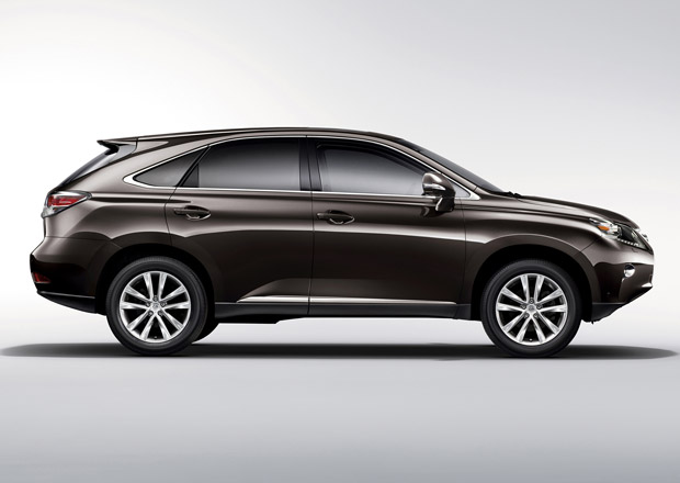 Lexus RX dorazí v nové generaci s hliníkem