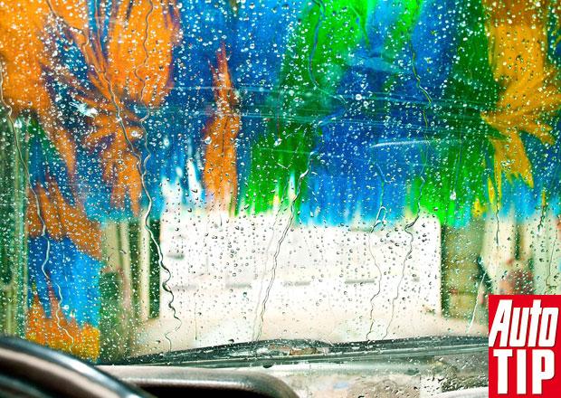 Mytí škrábe lak auta: Mýtus nebo pravda?