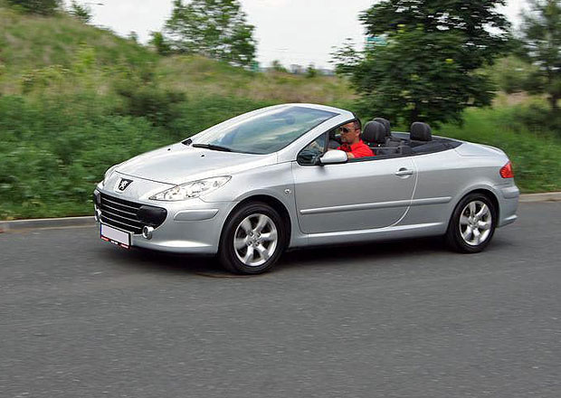Ojetý Peugeot 307 CC: Spousta malých bolestí