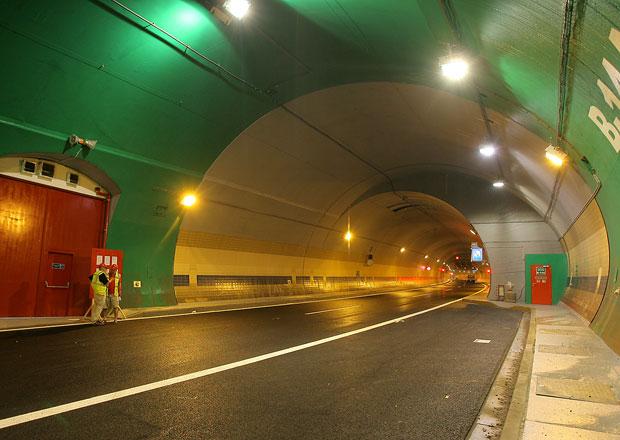 Tunel Blanka se chystá na otevření, průsak spodní vody prý nehrozí