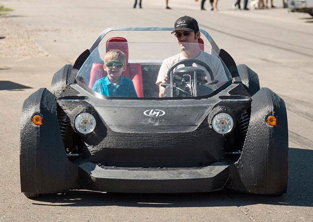 Auto z 3D tiskárny už jezdí, stát by mělo asi 380.000 Kč (+video)