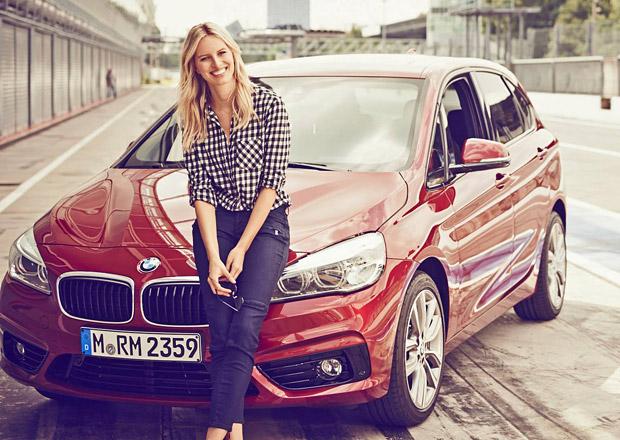 Video: BMW 2 Active Tourer a krásná Karolína Kurková