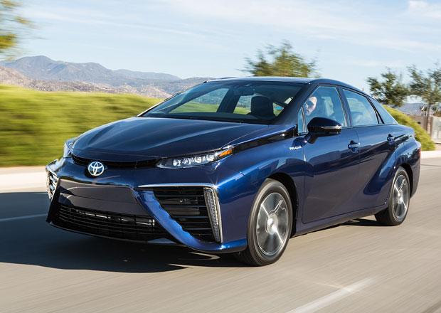 Toyota Mirai: Sériová verze vodíkového modelu má nové jméno (+video)