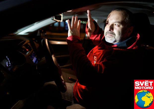 Sv�teln� chaos s nov�mi auty: V�echno v norm�, jenom holt nic nevid�m