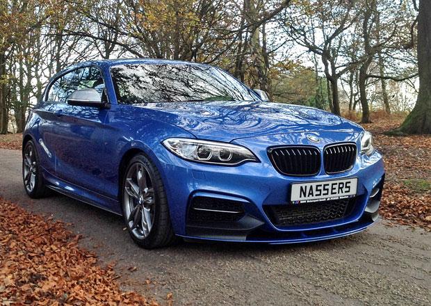Galerie: BMW M135i dostalo příď z modelu M235i