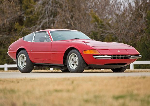 Ferrari 365 GTB/4 Daytona z roku 1971 stálo čtvrt století v garáži