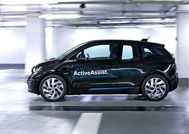 BMW představí automatické parkování bez řidiče