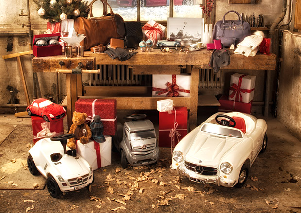 Auto.cz vám přeje veselé a šťastné Vánoce!