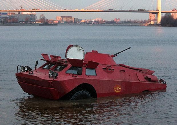 Obrněné vozidlo BRDM-2 jako taxi (+video)