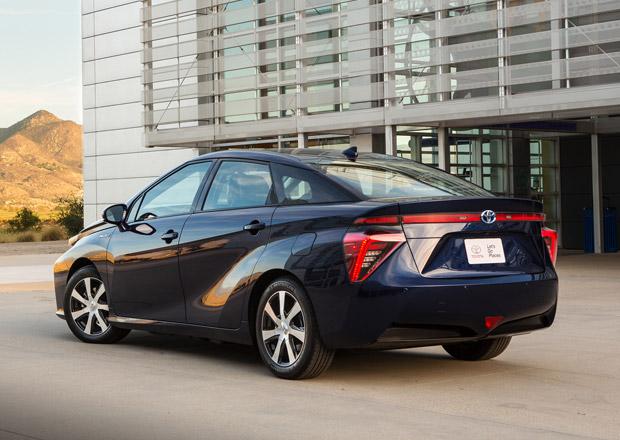 Toyota zdarma nabízí patenty k vodíkovému pohonu