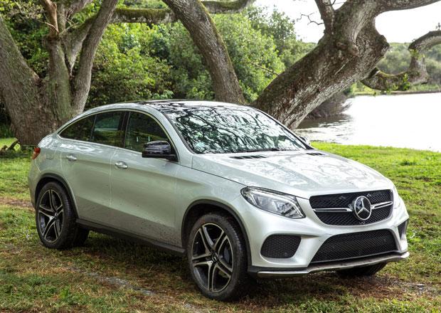 Mercedes-Benz GLE Coupé si zahraje ve filmu o dinosaurech (+video)