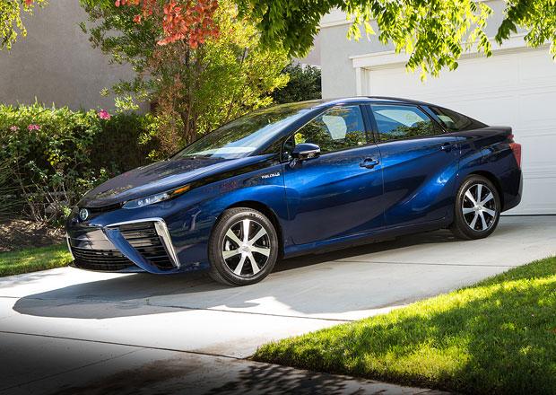 Toyota Mirai: Vodíkový model hlásí už 1.500 objednávek