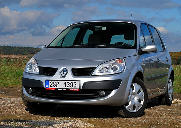 Ojetý Renault Scénic II: Hledejte vůz z posledních roků výroby