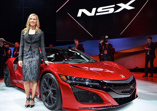 Acura NSX je první supersport navržený ženou