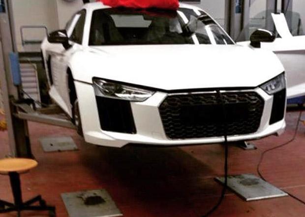 Vyzrazuje špionážní snímek podobu druhé generace Audi R8?