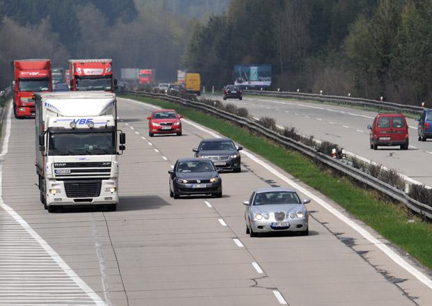 Osmdesát tisíc řidičů dostane pokutu za rychlost na D1. Nejste mezi nimi?