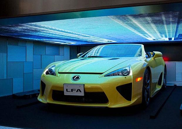 Lexus LFA Roadster jako kus um�n�, do�k�me se jej i ve skute�nosti? (+video)