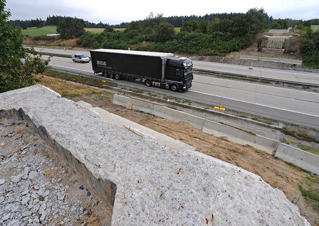 Ťok chce, aby se na silnicích pracovalo sedm dní v týdnu, 24 hodin denně