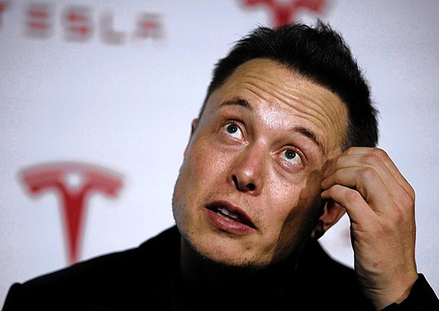 Musk prý plánoval prodej automobilky Tesla do rukou firmy Google