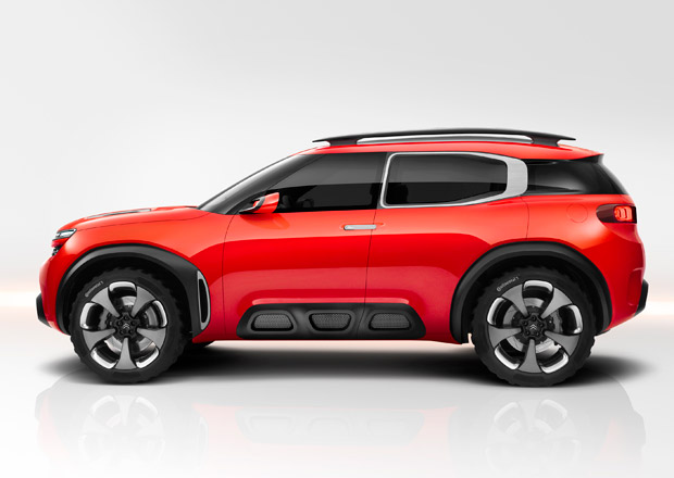 Citroën Aircross má 313 koní, stovku zvládne pod 5 sekund a umí fotit okolí