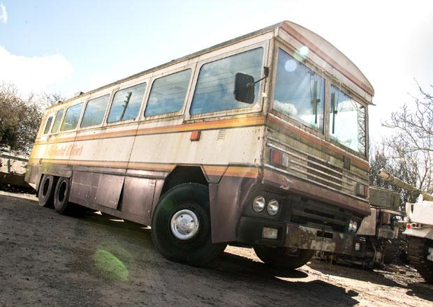 Pancéřovaný autobus po Margaret Thatcherové na prodej
