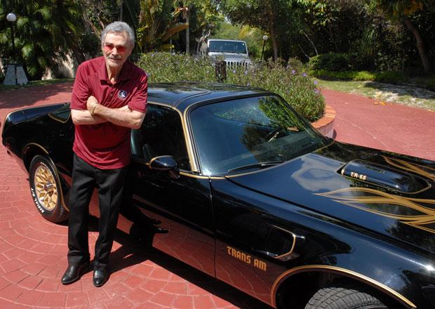 """Burt Reynolds prodává další """"filmový"""" Pontiac Trans Am"""