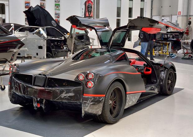 Pagani v září otevře novou továrnu, stavět bude Huayru Roadster