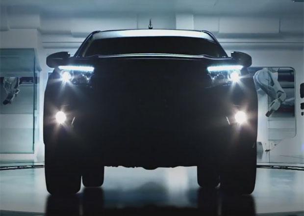 Toyota Hilux 2016 se představuje, známé jsou její motory (video)