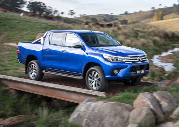 Toyota Hilux: Osmá generace je větší a ještě odolnější
