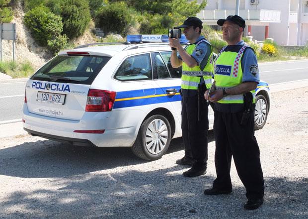 Rozhovor s dopravním policistou v Chorvatsku: Nepozornost vede