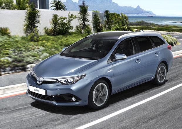 Toyota Auris 2015: Modernizovaný design i nabídka motorů (+video)