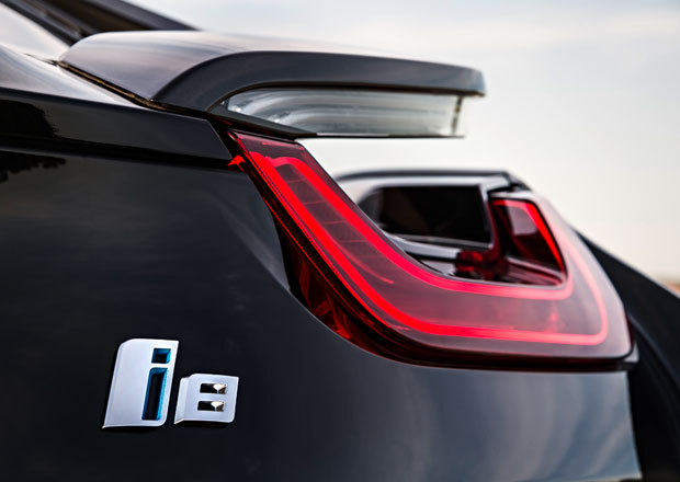 BMW připravuje ostrou verzi hybridního sporťáku i8, má dostat čtyřválec