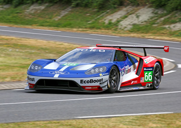 Ford ukázal závodní verzi modelu GT pro příští Le Mans (+video)