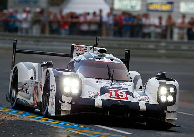 24 hodin Le Mans 2015: Bitvu dvou německých gigantů vyhrálo Porsche