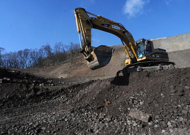 Dálnice D8 bude zprovozněna do konce příštího roku, řekl premiér Sobotka