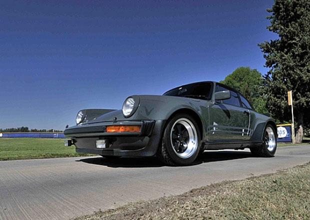 Porsche 911 Turbo Steva McQueena půjde pod aukční kladívko