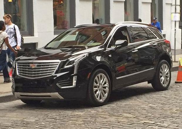 Cadillac XT5 vyfocen bez maskování