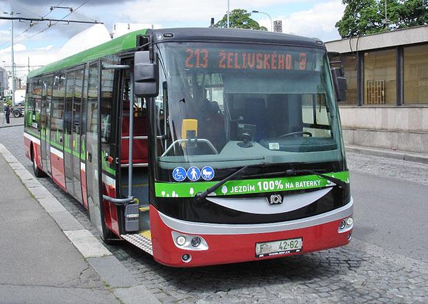 Elektrobus míří do ulic Prahy