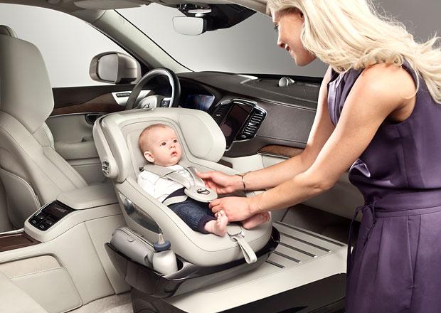 Volvo představuje nový koncept dětské autosedačky (+video)
