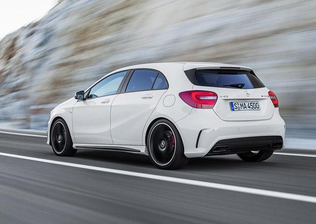 Příští generace ostrého hatchbacku Mercedes-AMG A 45 má dostat přes 400 koní