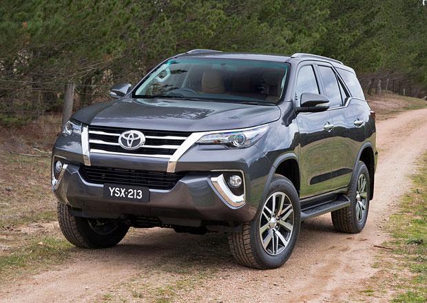 Toyota Fortuner: Nová generace sedmimístného SUV na bázi Hiluxu