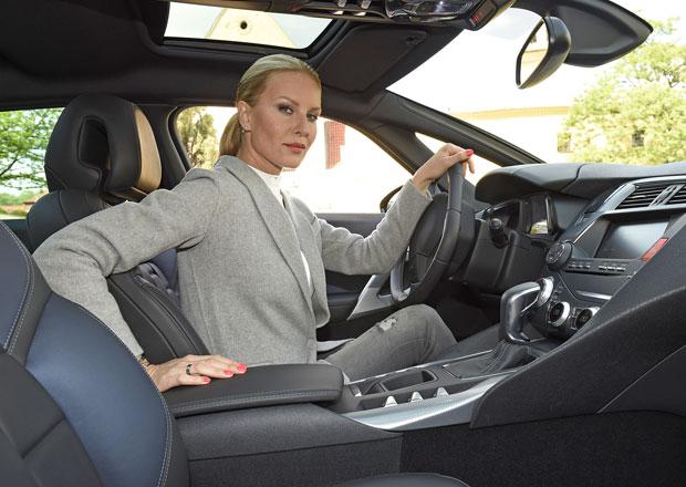 Rozhovor se Simonou Krainovou: Jednou navrhnu auto!
