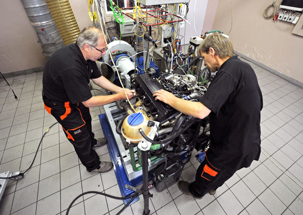 Může benzin čistit  Potvrzeno  Přísady v benzinu čistí!  beb64b446b
