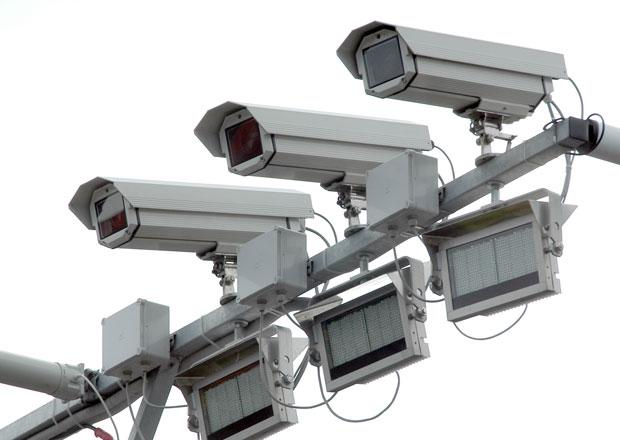 Kamerov� syst�m za�ne m��it rychlost na opraven�m �seku D1