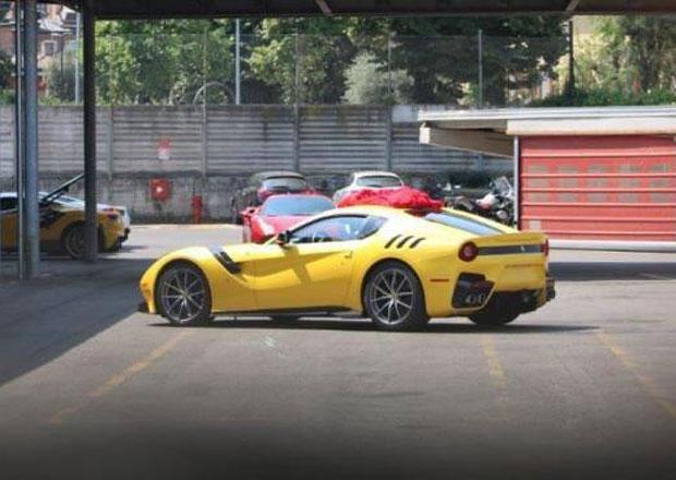 Ferrari F12 Speciale bylo vyfoceno bez maskování
